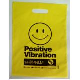 quanto custa sacola de plástico personalizada alça vazado Gravataí